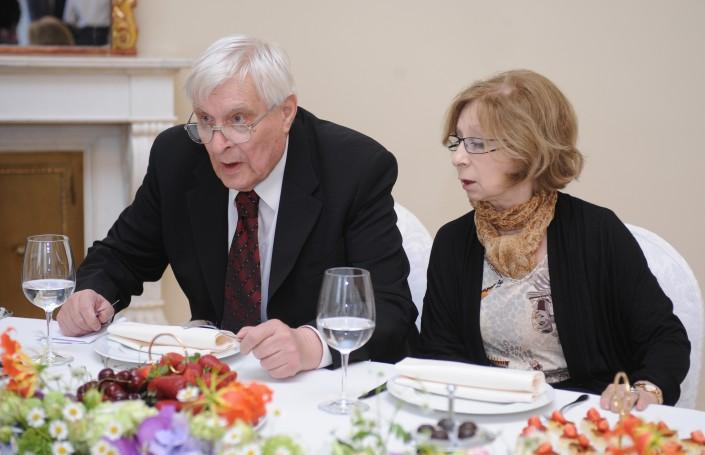 Олег Басилашвили и Лия Ахеджакова на встрече с Владимиром Путиным