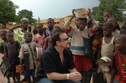 Боно в Мали Фотография: http://georgiapreach.files.wordpress.com/2012/04/bono_mali.jpg