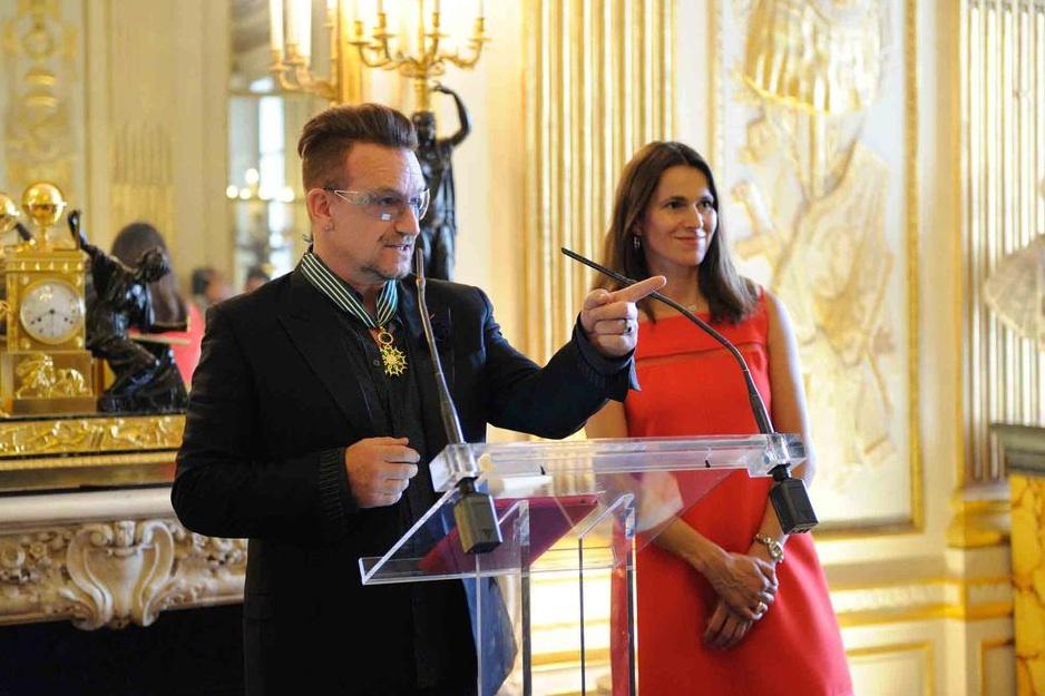 Боно и министр культуры Франции