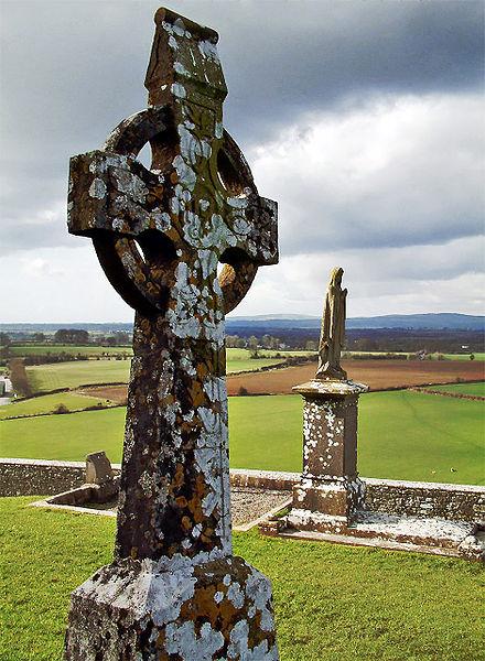 Каменный Крест у Скалы Кашел, Ирландия; изображение Chmouel, 23 марта 2004